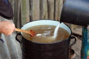 приготовление сиропа для пчел
